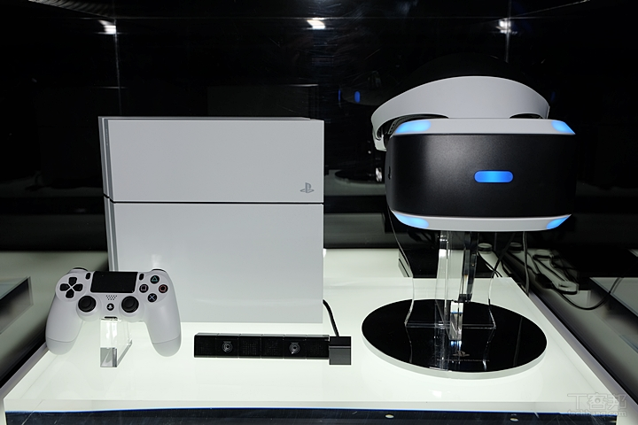 le playstation vr compatible sur pc dans un avenir proche generation game. Black Bedroom Furniture Sets. Home Design Ideas